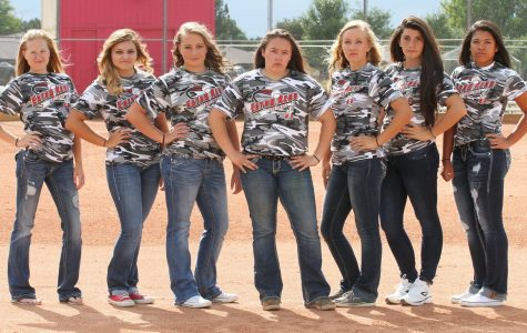 Lady Reds Softball qualifies for state