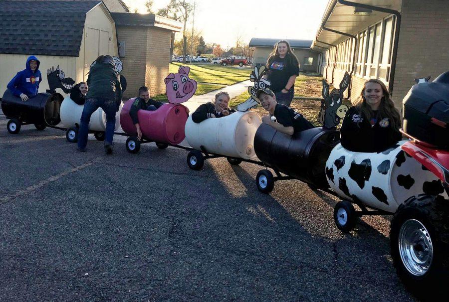 FFA+members+enjoying+the+barrel+train.