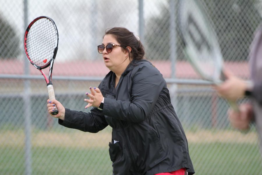 Eaton tennis sends eight to state