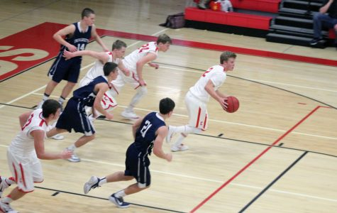 Reds boy's basketball start 2015 off right