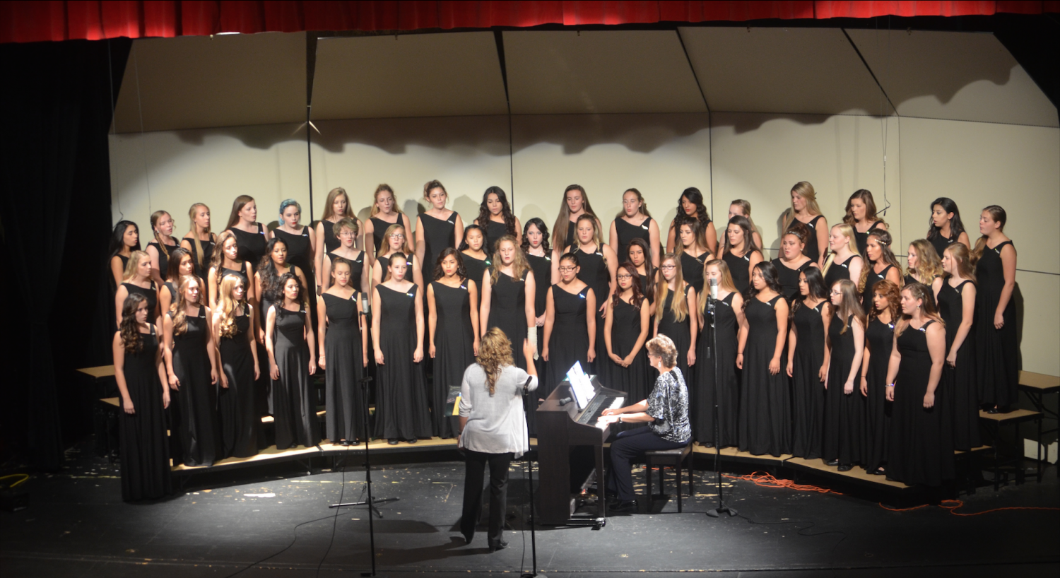 Fall Choir Concert Takes Center Stage