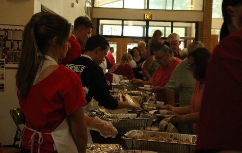 Skills USA Clubs cater at Taste of Eaton