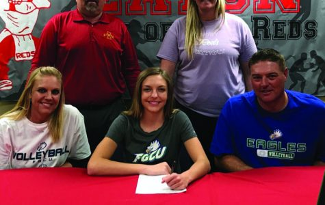 Seniors sign to continue play