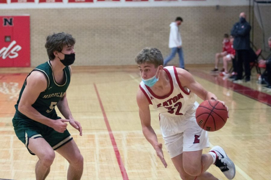 Boys+Basketball+defeats+the+Highland+Huskies