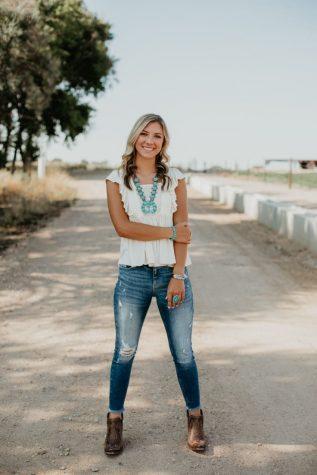 Senior Spotlight: Josie Roselle